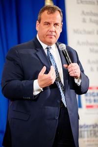 Guvernör Chris Christie (New Jersey) hoppas säkra partielitens stöd genom att vinna i New Hampshire. Foto av Michael Vadon.