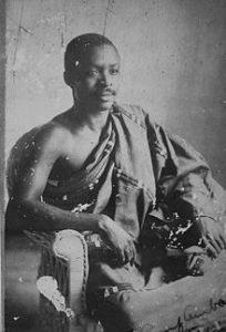 1892–1956 euroafrikansk författare, satiriker, jurist och politiker på Guldkusten