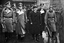 Den 23 augusti 1939: V. Molotov och Joachim von Ribbentrop i Moskva efter signerandet av icke-aggressionspakten.