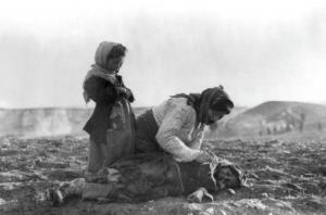 Offer i skenet av terror och politiskt våld: Armenien 1915 (Armin T. Wegner)