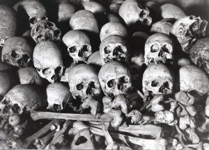 Folkmord och terror i praktik.