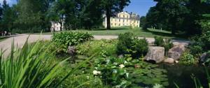 Efter någon timmes resa klev vi av bussen och möttes av underbart solsken och den idylliska trädgården som ramar in hela det natursköna området kring Svartå slott.