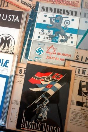Siniristi (Blå korset) nr 12 1937 och Kustaa Vaasa (Gustav Vasa) nr 7-8.